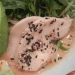 博多担々麺 とり田 - 鶏肉は結構な塩気