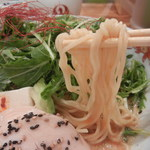 博多担々麺 とり田 - 弾力ある縮れ細麺