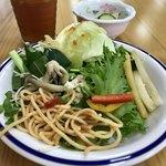 微笑みレストラン 大国亭 - ランチバイキング(\1,280) サラダ盛り付け例