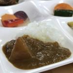 微笑みレストラン 大国亭 - ランチバイキング(\1,280) 梨カレー