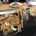 鶴橋風月 - 太麺〜〜!うまいんだー!