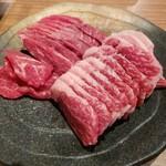 和牛・焼肉・食べ放題 肉屋の台所 川崎ミート - ミスジとカルビ