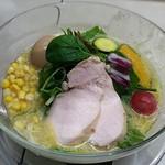 みつか坊主 醸 - 【(限定) 十六野菜の夏の野菜味噌 蒸し鶏入り + スタウト煮たまご】¥1380 + ¥180