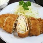 エチゴヤ - 料理写真:ポテトサラダ入りとんかつ:720円