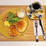 カフェ&ゲストハウス もやいや - 手焼きホットケーキ・モーニング(500円)