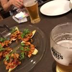 チキチキ&タンタン - チコリにのったトマト風味のシーフード
