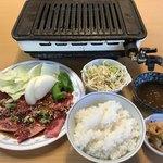 焼肉タカノ - 料理写真:カルビ定食=1242円