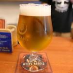 タイタンズ クラフトビアタップルーム&ボトルショップ - 900円キャッシュオン