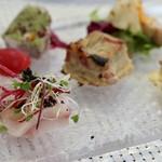 ビストロ ダイア - 夏の食材の前菜盛り合わせを7品(天然ぶり、サーモン、松茸、パテ、キッシュ、新生姜)