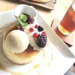 チーズケーキ工房・カフェ 風花 - パンケーキ紅茶セット