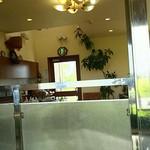 カフェレスト赤い屋根 - 店内(奥の席から撮影)