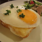 カフェ・グラニテ - クロックマダムは最高に美味しい!!人気メニューのひとつ。