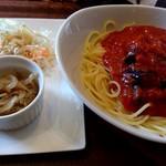 ブーランコ - 料理写真:ナスとベーコンのアラビアータ(980円)