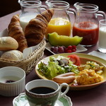 朝ねぼう - 料理写真:朝食一例