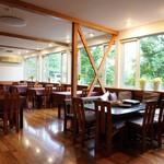 朝ねぼう - 食堂