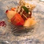 クッチーナ イタリアーナ ガッルーラ - 冷製カッペリーニ  桃、毛ガニ、トマト