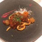 クッチーナ イタリアーナ ガッルーラ - 牛テールと冬瓜のラグーソース