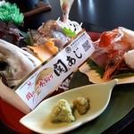 望海 - 料理写真:関アジのお造り