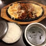 とん豚テジ - チーズタッカルビ定食