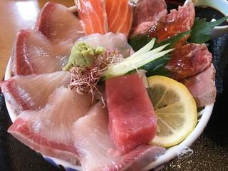 海鮮と陶器の城 - 海鮮丼 松
