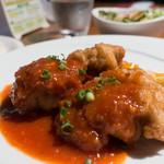 ビストロラウンジ コステリア - 本日のランチ(若鶏のフリット・ピリ辛チリソース)ライス(大盛無料)、スープ、サラタ付き:1,058円/2018年8月