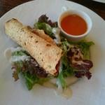 ボンベイ・インディアン・ダイニング - レディースセットのサラダ、スープ、パパド