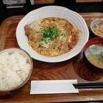 菊正宗おみき茶屋 - かつとじ定食です。(2018年8月)