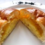 ブーランジェリー&カフェ マンマーノ - クリームパン