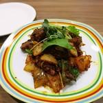91584065 - 鶏レバーと野菜のエスニック炒め460円