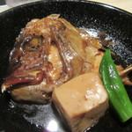 博多 魚市 - 鯛のお頭の煮付け