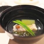 富小路 やま岸 - ⑧魚料理<やま岸>お椀で出された対馬産甘鯛、能登のそうめん、冬瓜。