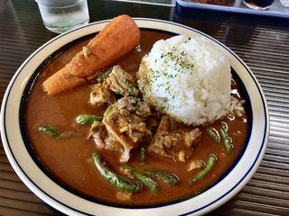 カレー食堂 ボヌール - パイカカレー・小・4辛(\750) にんじん(+\100) ピッキーヌ(+\230)