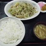 中華料理 宝揚軒 - 料理写真:野菜炒めを定食に