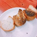 西口やきとん - フランスパン  1本100円