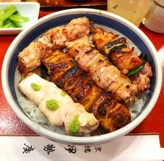 伊勢廣 銀座店 - 焼鳥5本丼(¥1550)。今度はレバー入りでお願いしてみました!