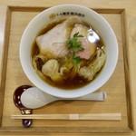 91592644 - わんたん入り醤油らぁ麺(1100円)