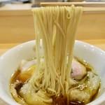 91592650 - わんたん入り醤油らぁ麺(1100円)