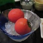 魚酒場 汐◯ - 木熟トマト、ヒマラヤピンクソルトで