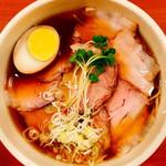 照麺 - チャーシュー麺(980円)俯瞰