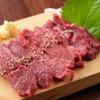 """肉・肉・肉!馬、豚、鶏…多彩な""""肉料理""""に溺れる至福のひと時"""