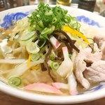 ラーメン めし 芦田屋 - 野菜と豚肉は別茹で