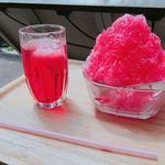 高見石小屋 - コケモモジュース(450円)とイチゴのかき氷(450円)