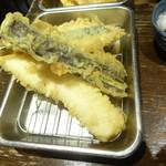 立ち呑み あたりや食堂 - 天ぷら