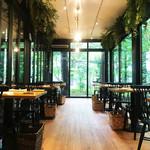 野菜がおいしいレストラン LONGING HOUSE - レストラン内観