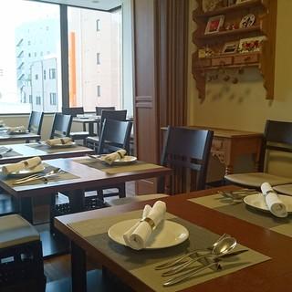 一軒家ならでは、、、様々な空間でお食事を楽しめます!