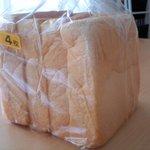 9162085 - 四つ切の食パン1斤