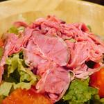 ハース - 自家製ローストビーフのサラダ