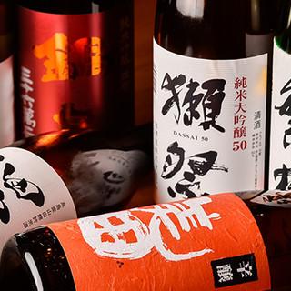 厳選された地酒は料理との相性抜群◎単品飲み放題もございます。