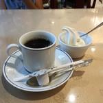91631371 - 食後のコーヒーとお子様サービスのソフトクリーム