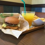 ハンドメイドキッチンオージェイ - 料理写真:キッドバーガー(\300+税)のSSセット(\280+税)